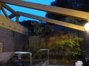 海藻露天風呂・夜2